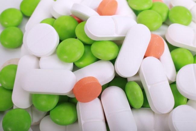 lawan bakteri dengan antibiotik tapi jangan berlebihan - alodokter