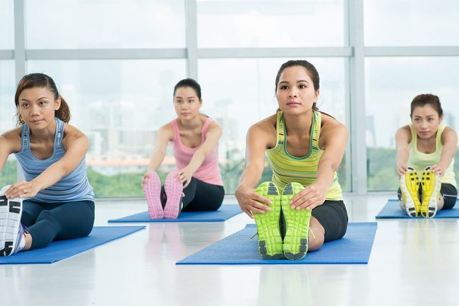 4 gerakan yoga untuk mengecilkan perut - alodokter