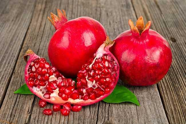 4 manfaat buah delima yang perlu kamu tahu - alodokter