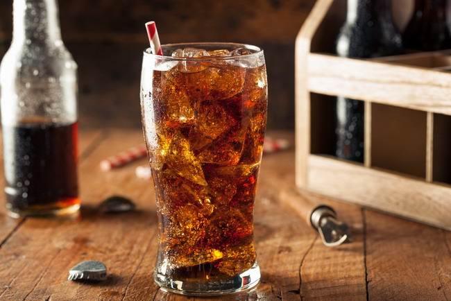 bahaya minuman bersoda-alodokter