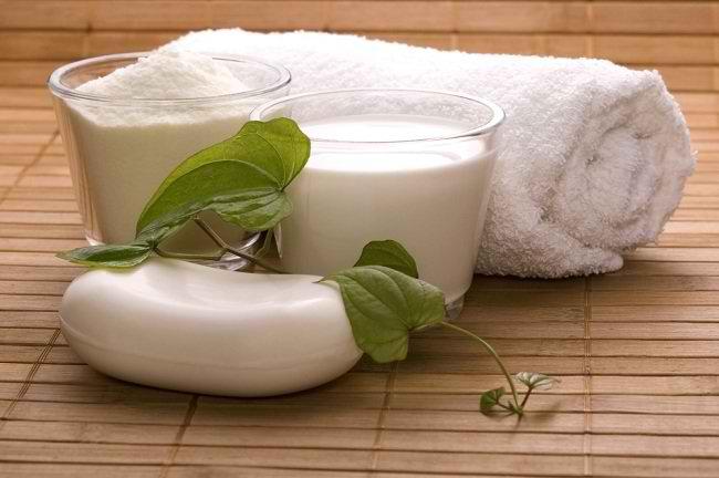 berikan kemewahan untuk kulit dengan mandi susu - alodokter