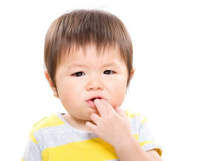 bayi tumbuh gigi-alodokter