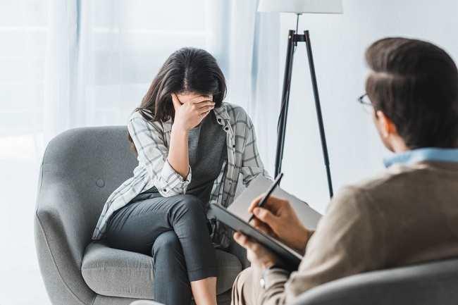 gangguan psikosomatis, ketika pikiran menyebabkan penyakit fisik - alodokter