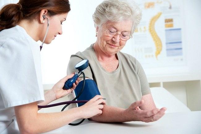 Nursing care of hypertension in elderly - alodokter