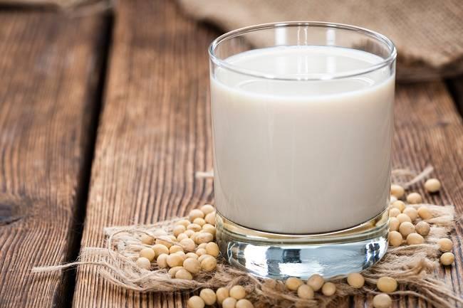 Memberi Susu Soya untuk Bayi Ini Faktanya - alodokter