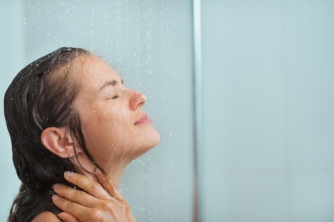 jangan salah pilih sabun mandi agar kulit tetap sehat - alodokter