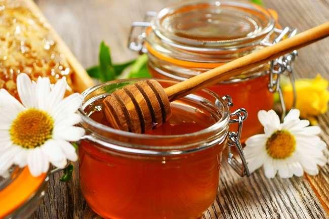 manfaat madu ditinjau dari sisi medis - alodokter