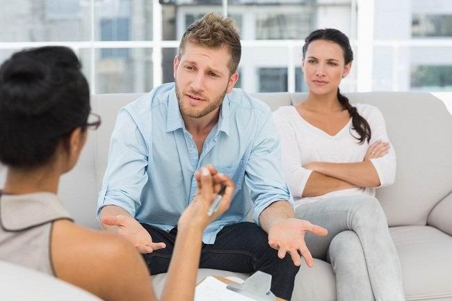 mengikuti konseling untuk mengatasi konflik pernikahan - alodokter