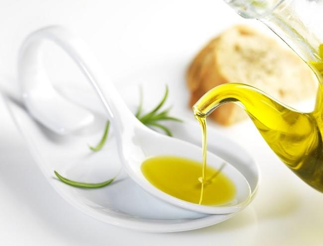 Ini Manfaat Minyak zaitun untuk Wajah Berjerawat