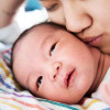 Setidaknya ada 4 Bahaya Bila Bayi Dicium
