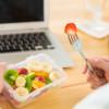 Ide Snack Sehat di Kantor yang Tidak Bikin Perut Buncit