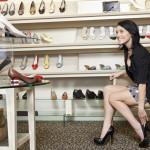Risiko Mengenakan Sepatu Hak Tinggi