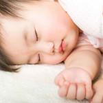 Efek Buruk Mandi Malam Cuma Mitos, Justru Memudahkan Bayi Tidur