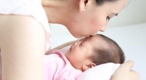 Cara Efektif Menenangkan Bayi Menangis