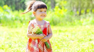 Benarkah Perut Sehat Mempengaruhi Suasana Hati si Kecil?