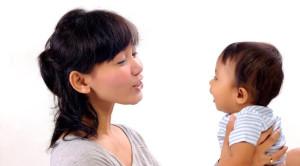 Pentingnya Berkomunikasi dengan Bayi