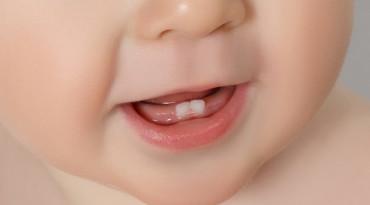 Ayah dan Bunda, Ini yang Diperlukan Bayi saat Tumbuh Gigi