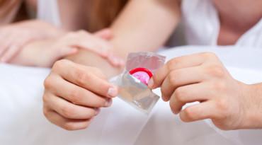 Cara Pakai Kondom yang Tepat agar Semua Aman dan Senang