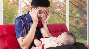 Para Ayah Harus Tahu Cara Mengatasi Bayi Menangis. Begini Caranya!