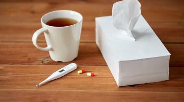 Hentikan Kebiasaan Minum Obat dengan Teh dari Sekarang