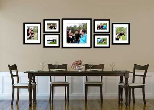 Расположить красиво фотографии на стене