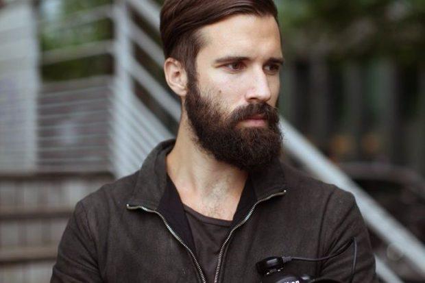густая короткая борода
