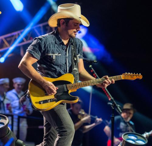 Brad paisley official page
