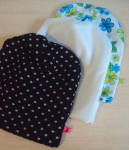 Простая шапка из трикотажа для ребёнка