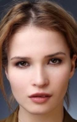 В главной роли Актриса Лукерья Ильяшенко, фильмографию смотреть .