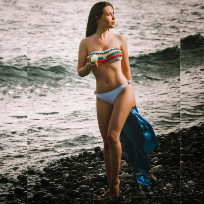 Юлия Михалкова фотография на пляже