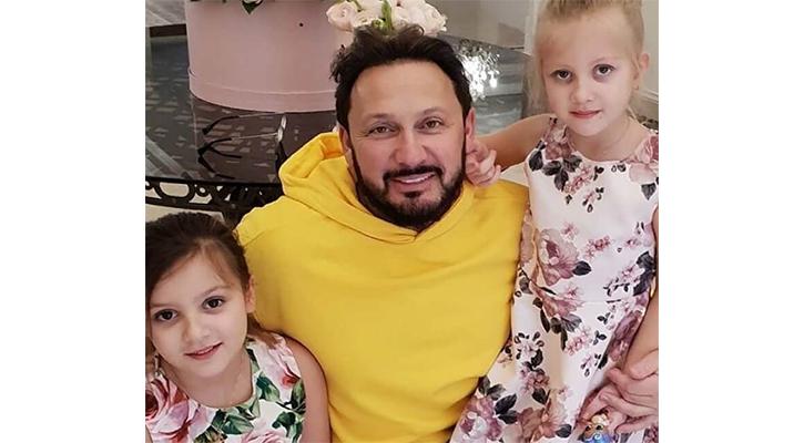 Инна Михайлова Жена обнимают отца