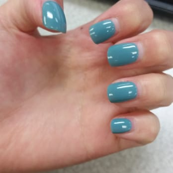 Jade nails hours
