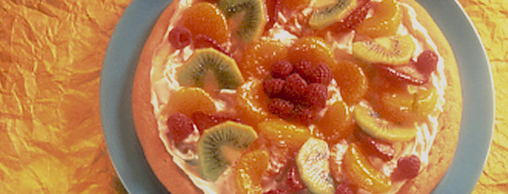 Photo of Cheesecake and Fruit Dessert Pizza