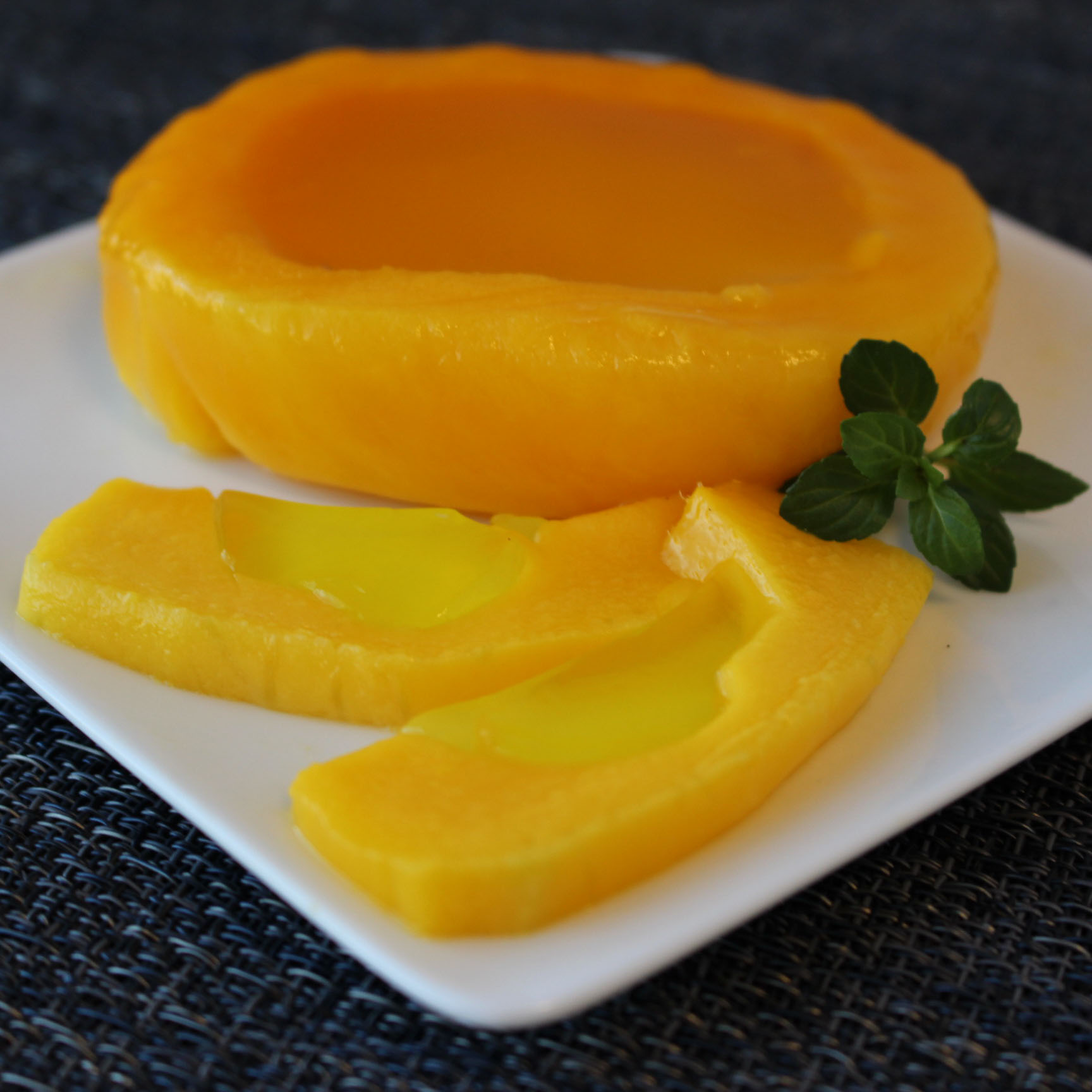 Limoncello Gel Filled Mango Bowls