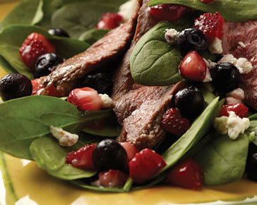 Berry spinach steak salad 1