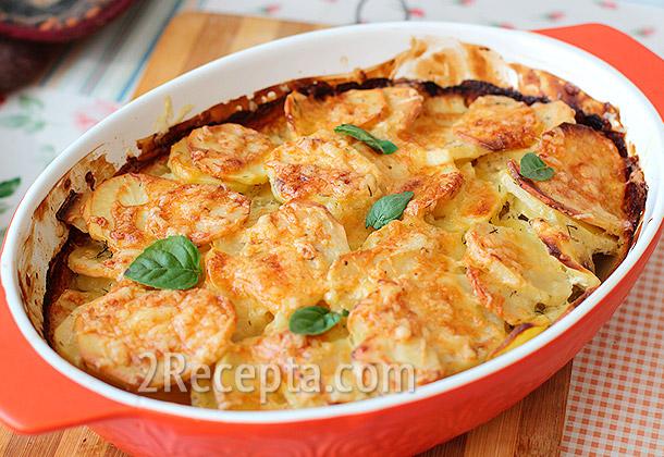 Картофель запеченный в духовке в сметанном соусе