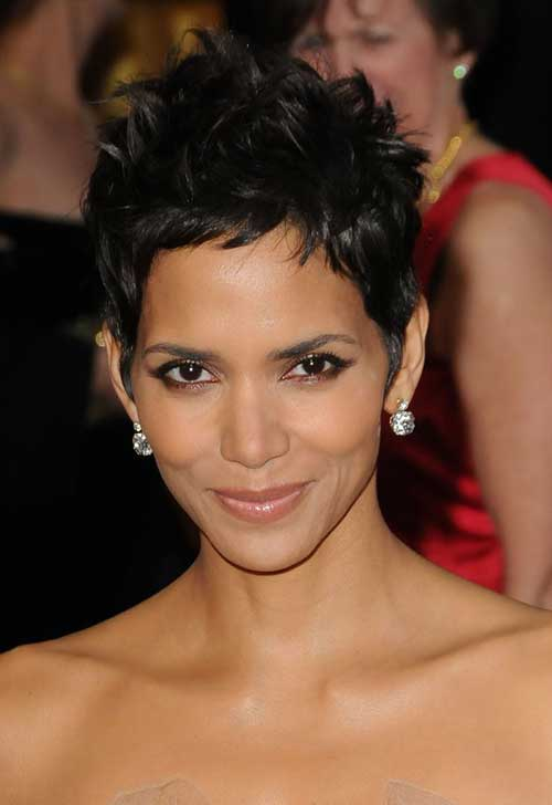 Halle berry's short hairstyles
