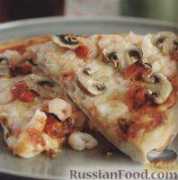 Фото к рецепту: Пицца с грибами, креветками и вялеными помидорами