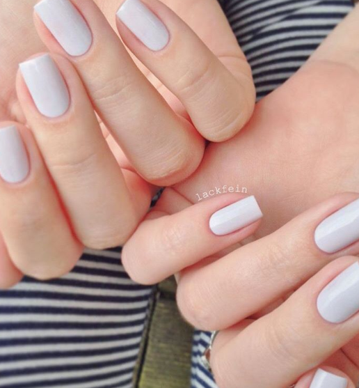 Nude round nails