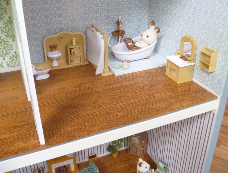 Внутренняя отделка кукольного домика из стеллажа Билли