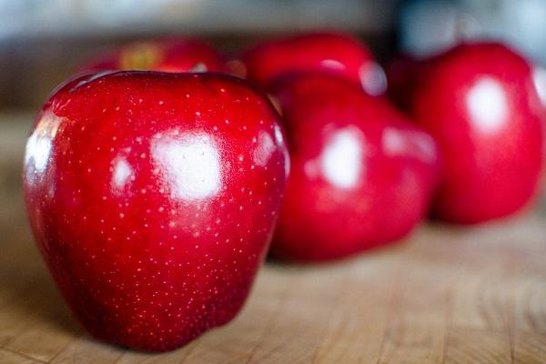 Маринованные яблоки по болгарски