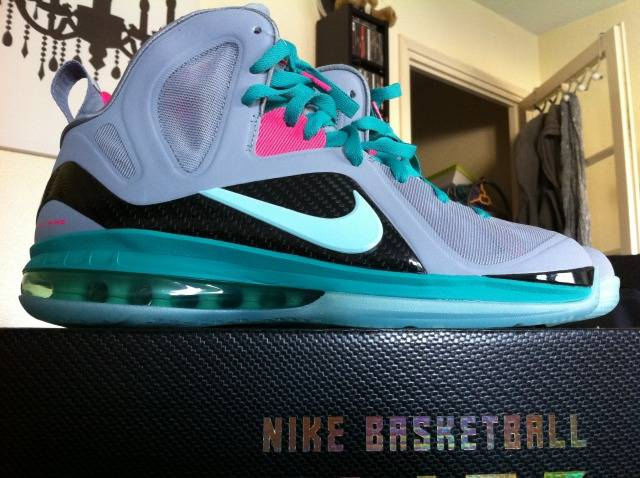 Lebron 9 wolf grey mint candy new green pink flash