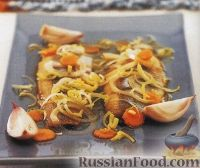 Фото к рецепту: Маринованная селедка с луком