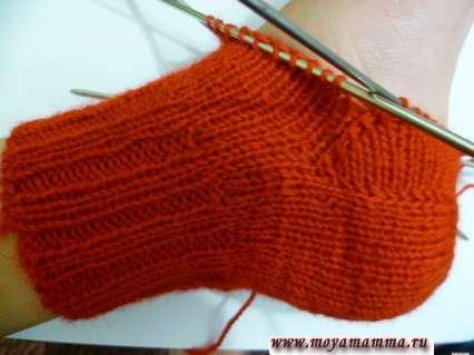 Способы вязки пятки носка спицами