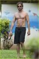 Gerard Butler: Hawaiian Holiday! - gerard-butler photo