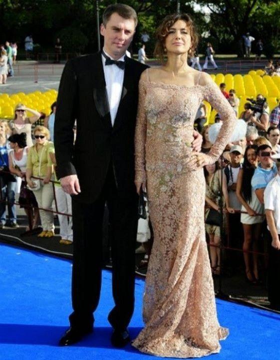 Екатерина Климова в просвечивающем платье без лифчика