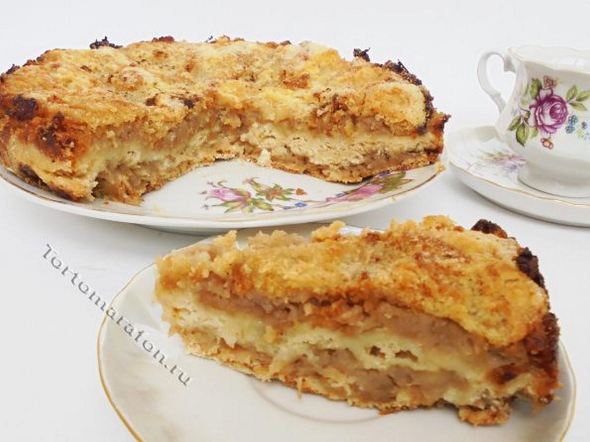 Сухой пирог с яблоками с манкой