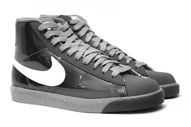 Nike lebron james think pink breast cancer awareness basketball shoes