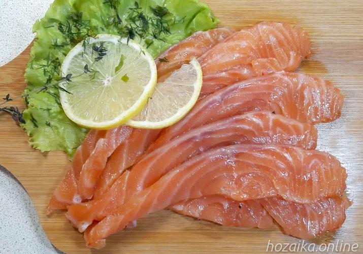 Как замолосолить красную рыбу