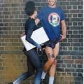 Шайа ЛаБаф бежит с любимой FKA twigs опосля расставания с Мией Гот